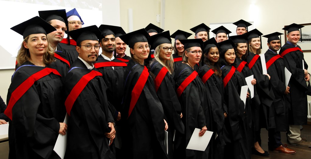 Aviation Management, Bibliotheksinformatik and MBA graduates