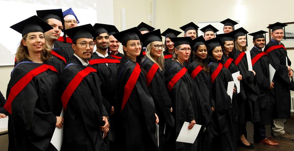 Aviation Management, Bibliotheksinformatik and MBA graduates